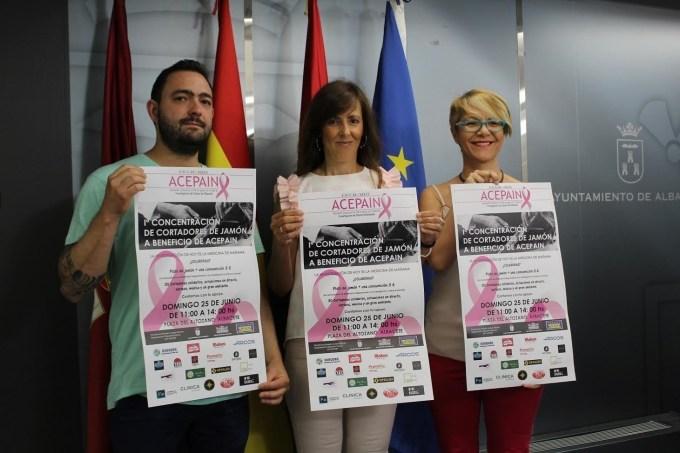 Treinta cortadores de jamón participan el domingo en Albacete en un acto cuya recaudación irá destinada a Acepain