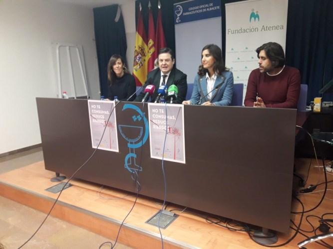 Las farmacias se  unen a la campaña para reducir riesgos en el consumo inyectado de drogas