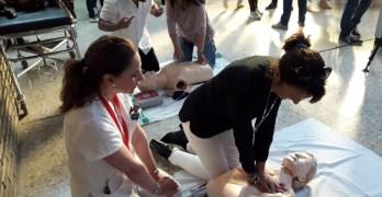 VÍDEO | Profesionales del Hospital de Albacete enseñan cómo hacer un masaje cardiaco para salvar vidas