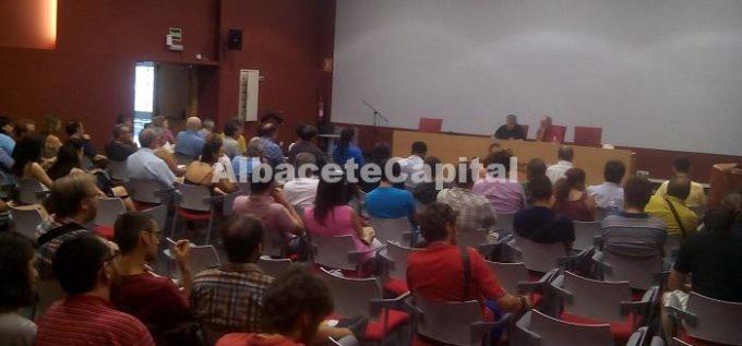 Imagen de archivo de la primera Asamblea para la confluencia celebrada en Albacete el pasado 13 de julio.