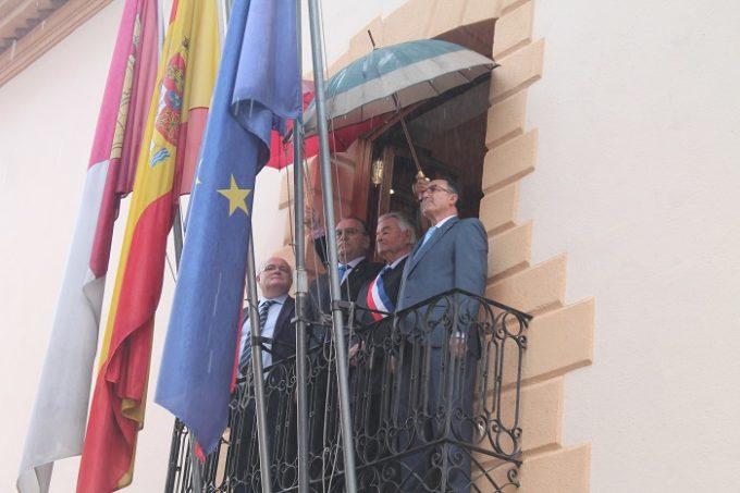 ACTO IZADO DE BANDERAS- CAUDETE