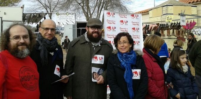 Javir Sánchez, segundo por la izquierda, esta mañana en Villarrobledo