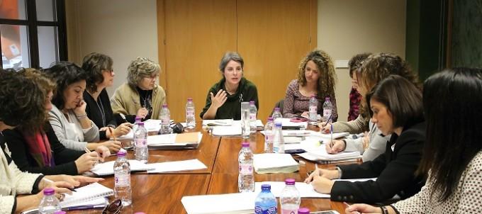 Toledo, 14-01-2016.- La directora del Instituto de la Mujer, Araceli Martínez, durante la reunión que ha mantenido hoy en Toledo, en la sede del Instituto, con responsables del área de Mujer de Castilla-La Mancha. (Foto: Álvaro Ruiz // JCCM)