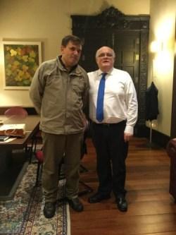 """El delegado de la Junta, Pedro Antonio Ruiz Santos y el director gerente del centro de formación """"La Escarihuela"""", Jesús Domínguez. Foto: Jccm."""
