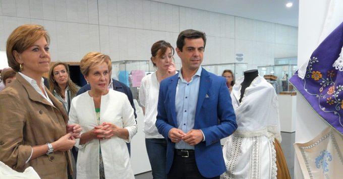 Foto.Inauguración Jornada sobre conciliación y corresponsabilidad de AFAMMER (1)