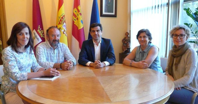 Foto.Teléfono de la Esperanza en Albacete.3-6-16