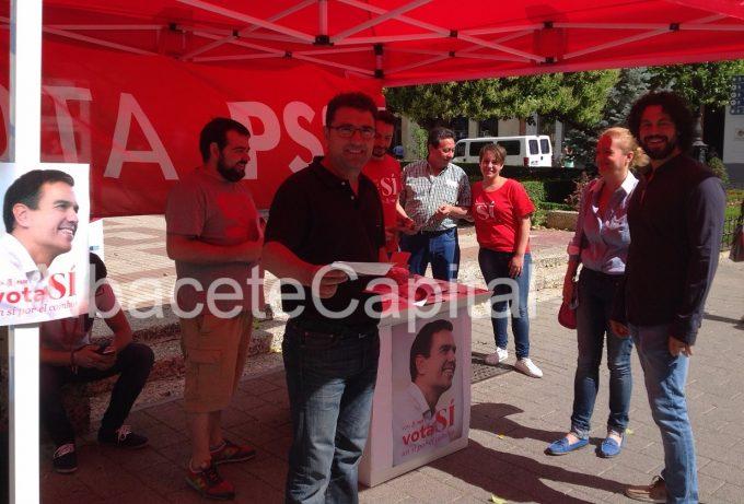 Carpa del PSOE instalada este miércoles en la Plaza del Altozano.