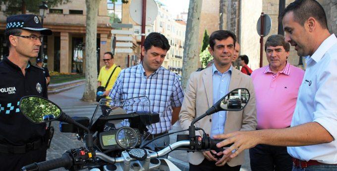 Foto.Presentación 16 nuevas motocicletas Policía Local de Albacete.22-7-16 (2)