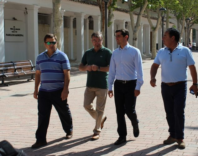 Foto. Javier Cuenca visita las obras de adecuación del Recinto Ferial. 010916 (3)