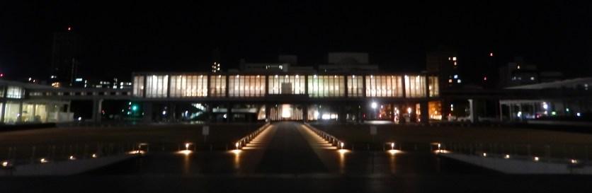 museum-perdamaian-malam