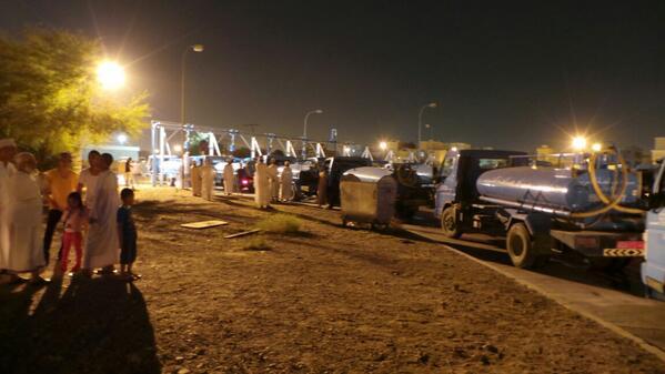 ازدحام في محطة نقل المياه في منطقة الموالح (تصوير - البلد)