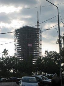 Gewagter Hochhausbau in Tirana
