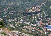 Blick vom Berg Sari Salltik auf die Burg