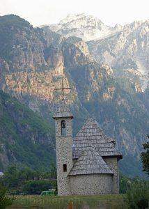 Theth (Albanien): Kirche