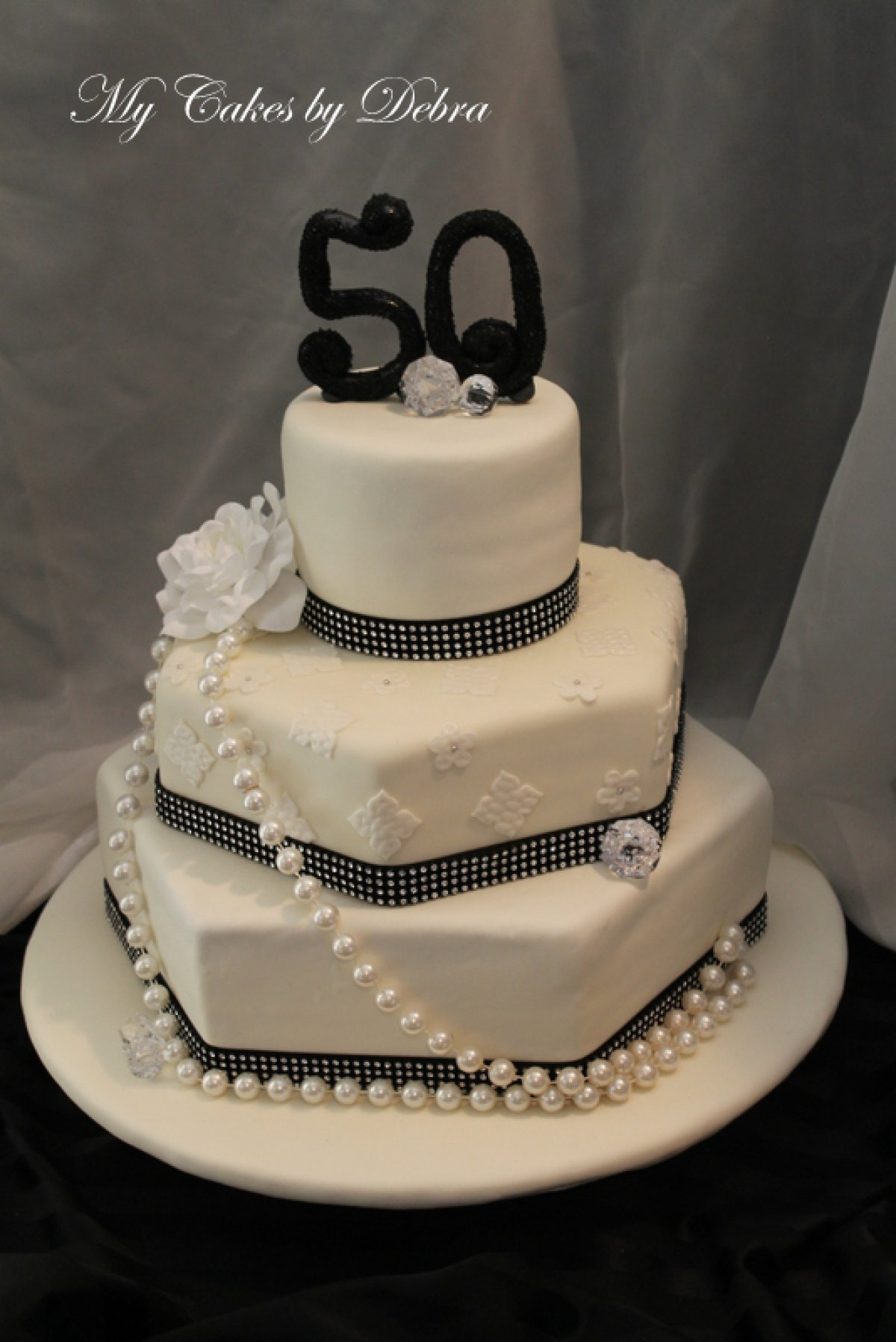 50Th Birthday Cake Ideas For Her 13 Unique 50th Cakes Photo