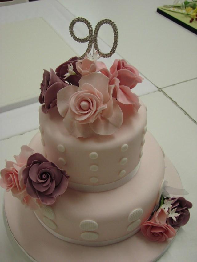 90Th Birthday Cake Ideas 90th Birthday Cakes 90th Birthday Cake Cakeslove A Pretty