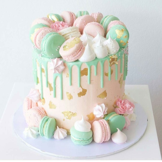 Birthday Cake Macarons Macaroons Cale Cakes Pinterest Cake Drip Cakes And Desserts