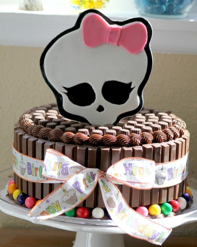 Birthday Cakes For 8 Years Old Girl Monster High Cake The 8 Year Old Birthday Girl Wanted An All