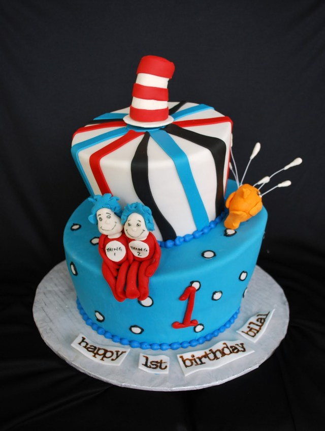 Cat In The Hat Birthday Cake The Beehive Cat In The Hat Cake