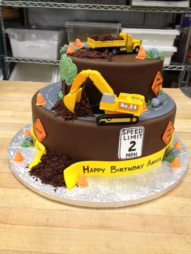 Construction Birthday Cakes Construction Site Birthday Cake Complete With Chocolate Dirt Www