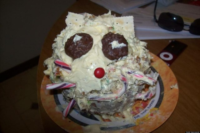 Crazy Birthday Cakes 35 Hilarious Birthday Cakes As In Epic Fails I Am Bored