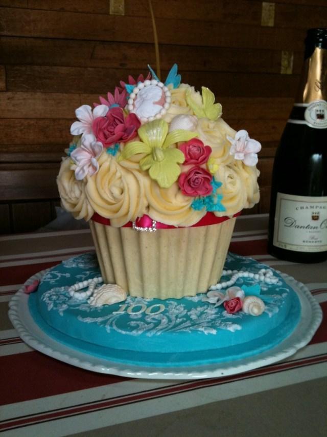 Cupcake Birthday Cake Cupcakes Birthday Cakes