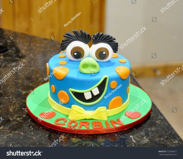 Custom Birthday Cake Custom Birthday Cake Fondant Monster Face Stockfoto Jetzt