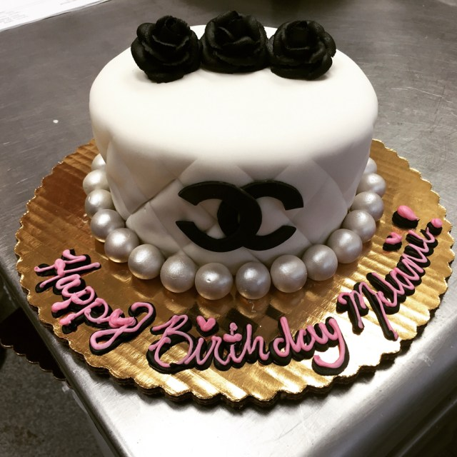 Custom Made Birthday Cakes Bennisons Bakery Birthday Specialty Cakes Custom Decoration