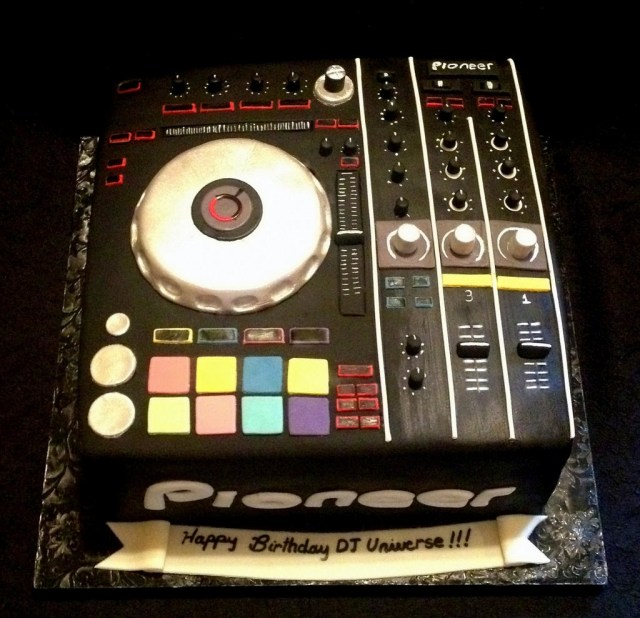 Dj Birthday Cake Dj Universes Turntable Birthday Cake Pastryqueen62 Flickr
