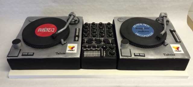 Dj Birthday Cake Double Dj Decks Cake Boys Birthday Cakes Celebration Cakes