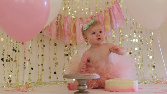 First Birthday Cakes For Girls Girls First Birthday Cake Smash Session Youtube