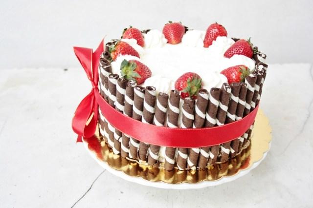 Homemade Birthday Cake Recipes Elegant Birthday Cakes For Women Simple Yet Elegant Strawberry