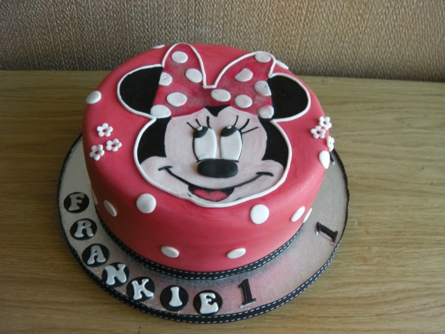 Minnie Mouse 1St Birthday Cake Minnie Mouse 1st Birthday Cake Mandys Homemade Cakes Flickr