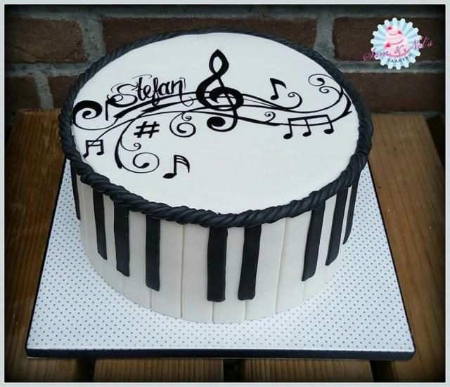 Music Birthday Cakes Musicnote Cake Lindsay Bday 17 Pinte