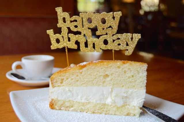 Olive Garden Birthday Cake Olive Garden On Twitter Were Looking Forward To Celebrating Your