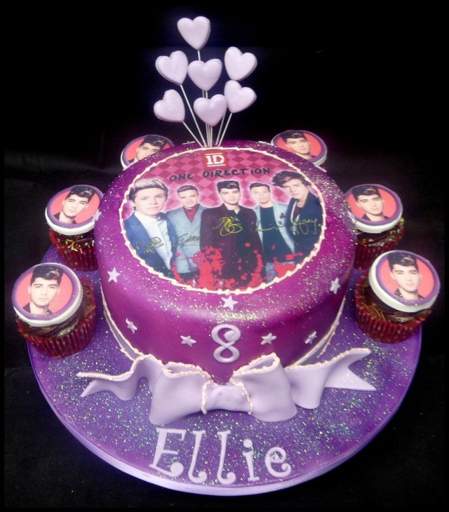 One Direction Birthday Cake Girls One Direction Birthday Cake We Are Based In Patna A Flickr