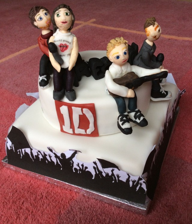 One Direction Birthday Cake One Direction Birthday Cake With Figures My Lovely Cake Cakes