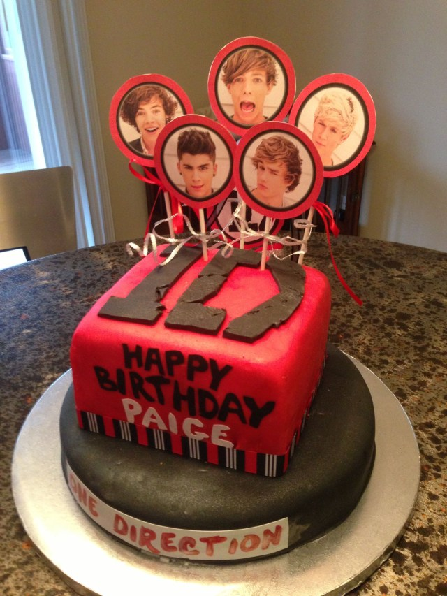 One Direction Birthday Cake One Direction Cake It Even Says My Name Lol One Direction