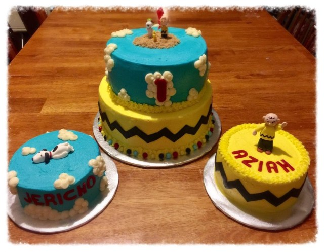 Peanuts Birthday Cake Peanuts Birthday Cakes Snoopy Is On Cloud 9 And Charlie Brown Is