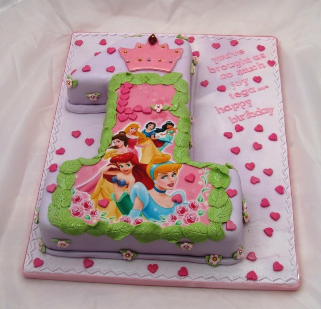 Princess 1St Birthday Cake Disney Princesses 1st Birthday Cake Protoblogr Design Princess