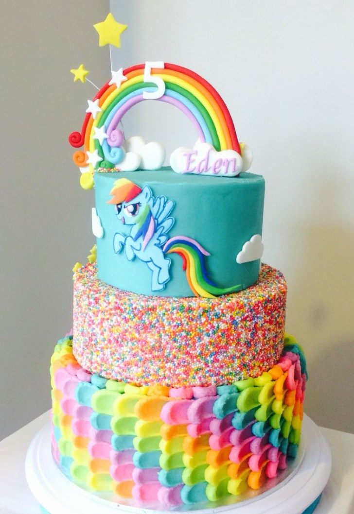 35+ Amazing Photo of Rainbow Dash Birthday Cake