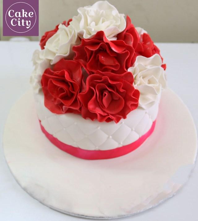 Red Birthday Cake Red White Rose Birthday Cake Girl Birthday Cake Ideas