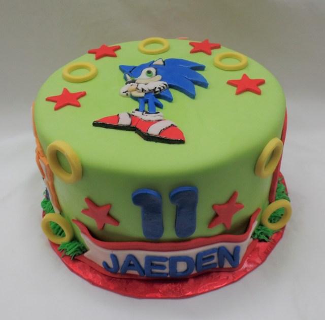 Sonic Birthday Cake Themadbatterbakery Childrens Birthday