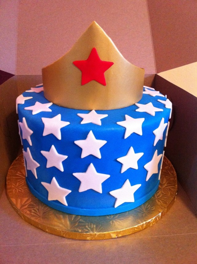 Woman Birthday Cake Wonder Woman Birthday Cake Cakecentral