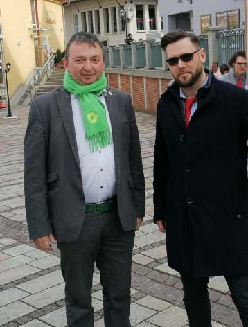 Oberbürgermeisterkandidat Albert Riedelsheimer mit dem Initiator André Leuffert