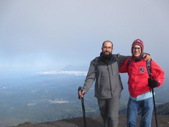 Sebastián y yo en la cima... agotados