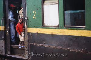 Pasajeros a bordo, estación de Fianarantsoa.jpg