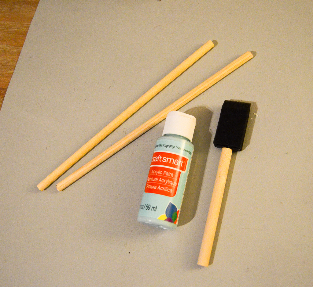 paint the dowels