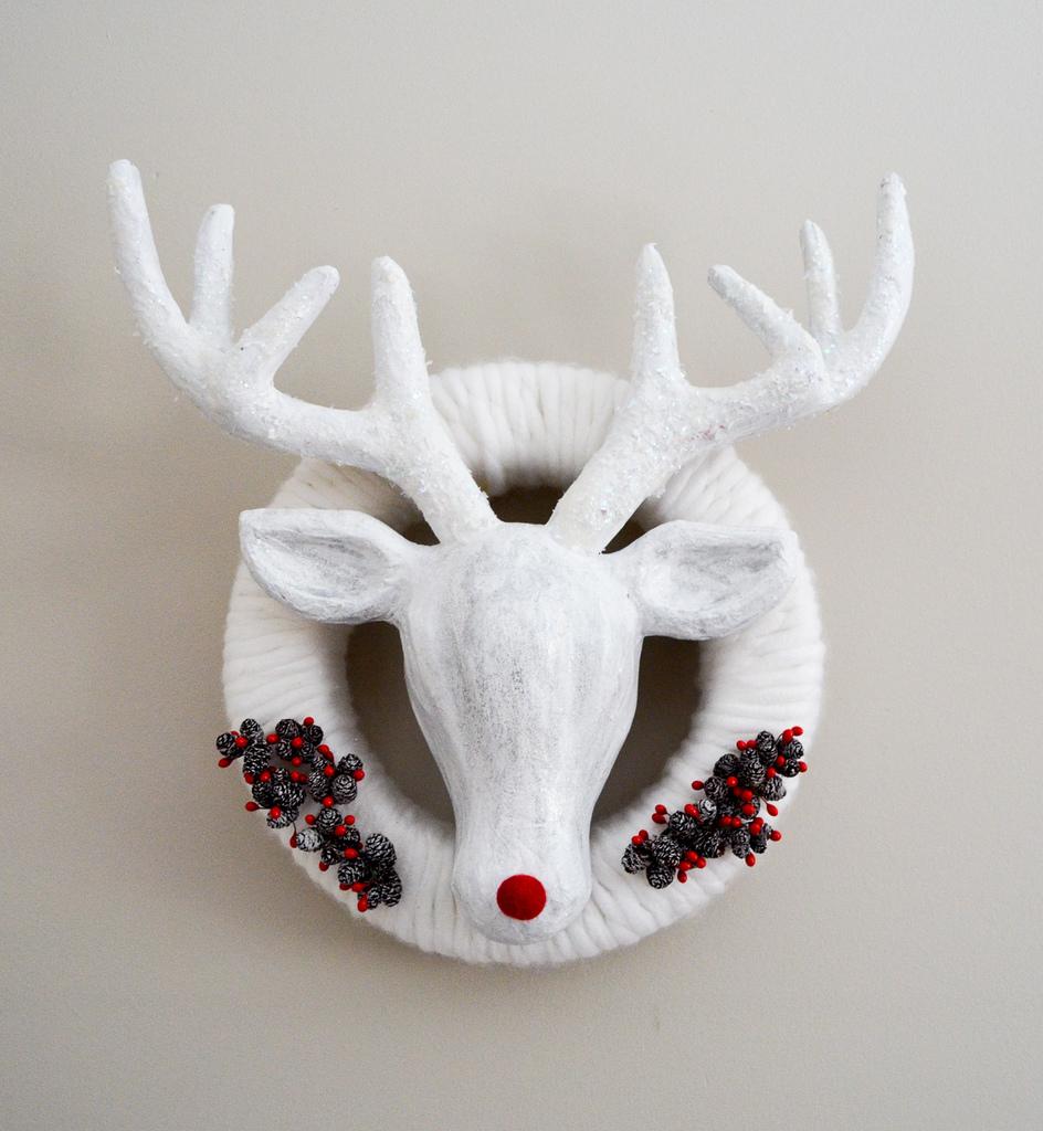 Winter Reindeer Wreath