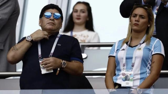 Maradona, con su mujer Rocío Oliva.